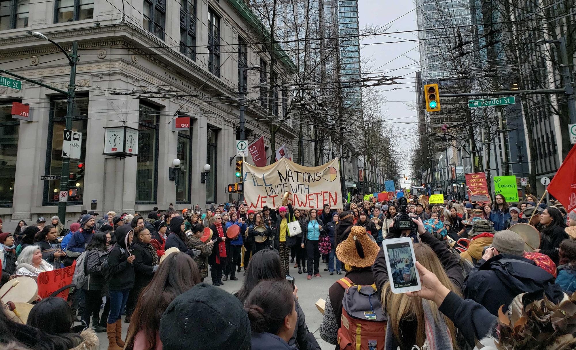 Wet'suwet'en Solidarity rally in Vancouver, Jan. 2019 (Photo: Eugene Kung)