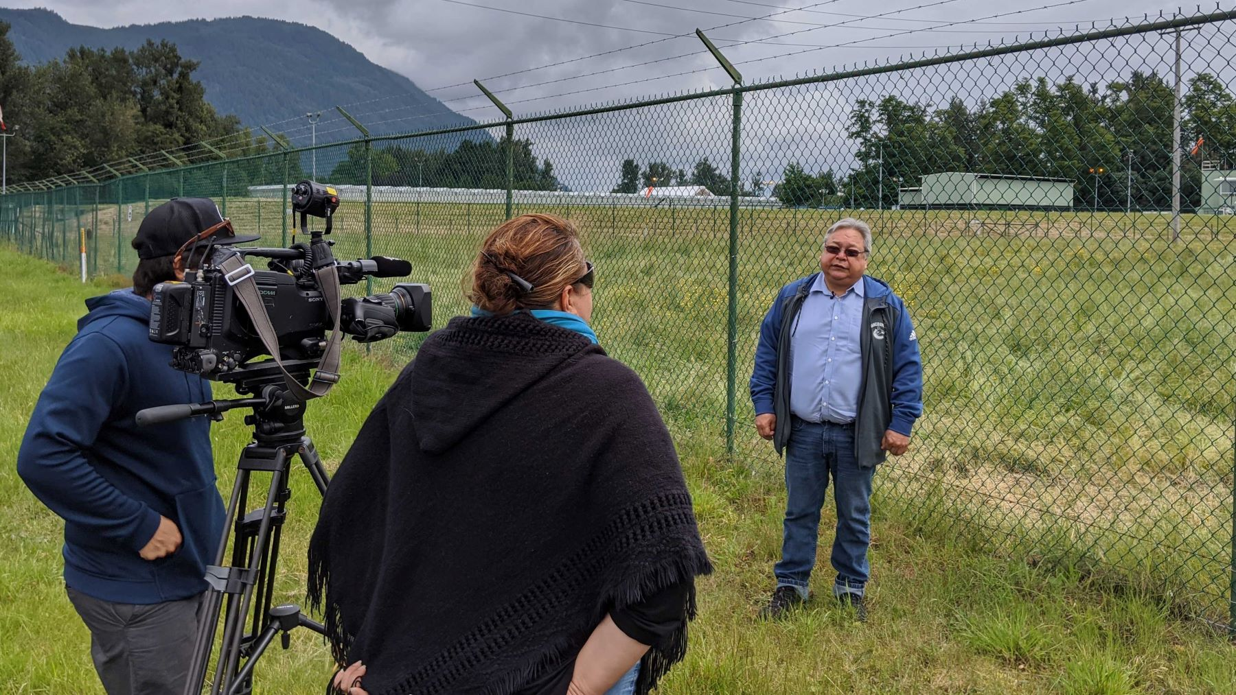 Chief Dalton Silver of Sumas First Nation speaking to media after recent oil spill (Photo: Rueben George)